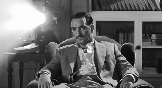 George Valentin (Jean Dujardin) overdenkt zijn succes en ondergang