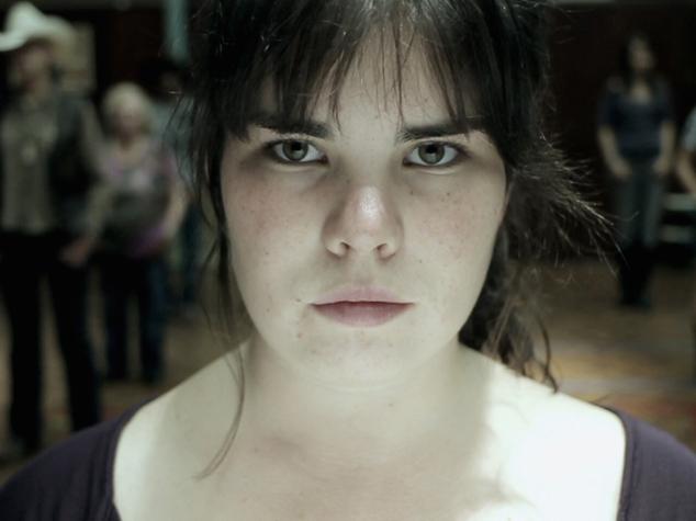 Emma Levie als Lena